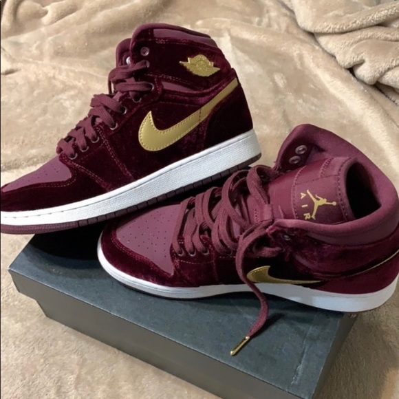 Jordan Other - Maroon / Gold Jordan's